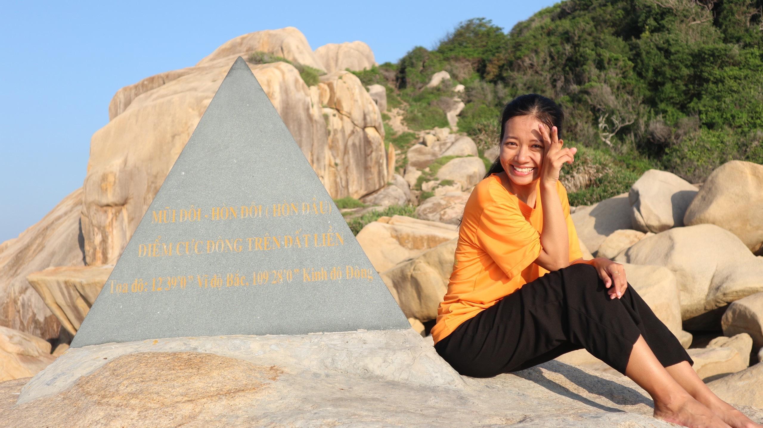 cô gái xuyên Việt độc hành 102 ngày