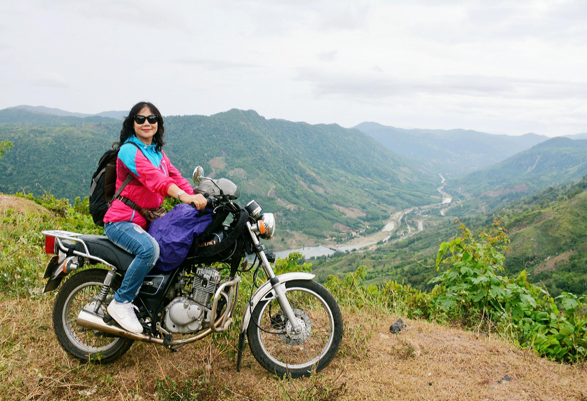 phượt thủ U60 đi khắp Việt Nam
