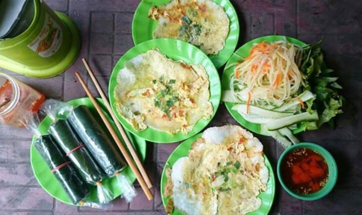3 quán bánh ép vỉa hè ngon nức tiếng ở xứ Huế