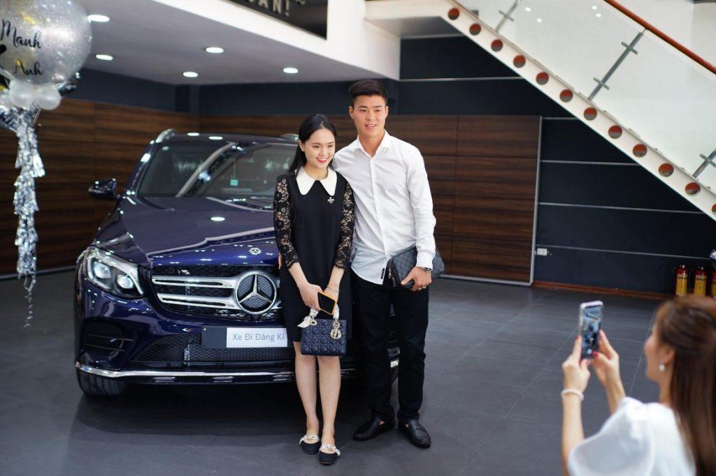 Mercedes-Benz GLC 300 của trung vệ Duy Mạnh