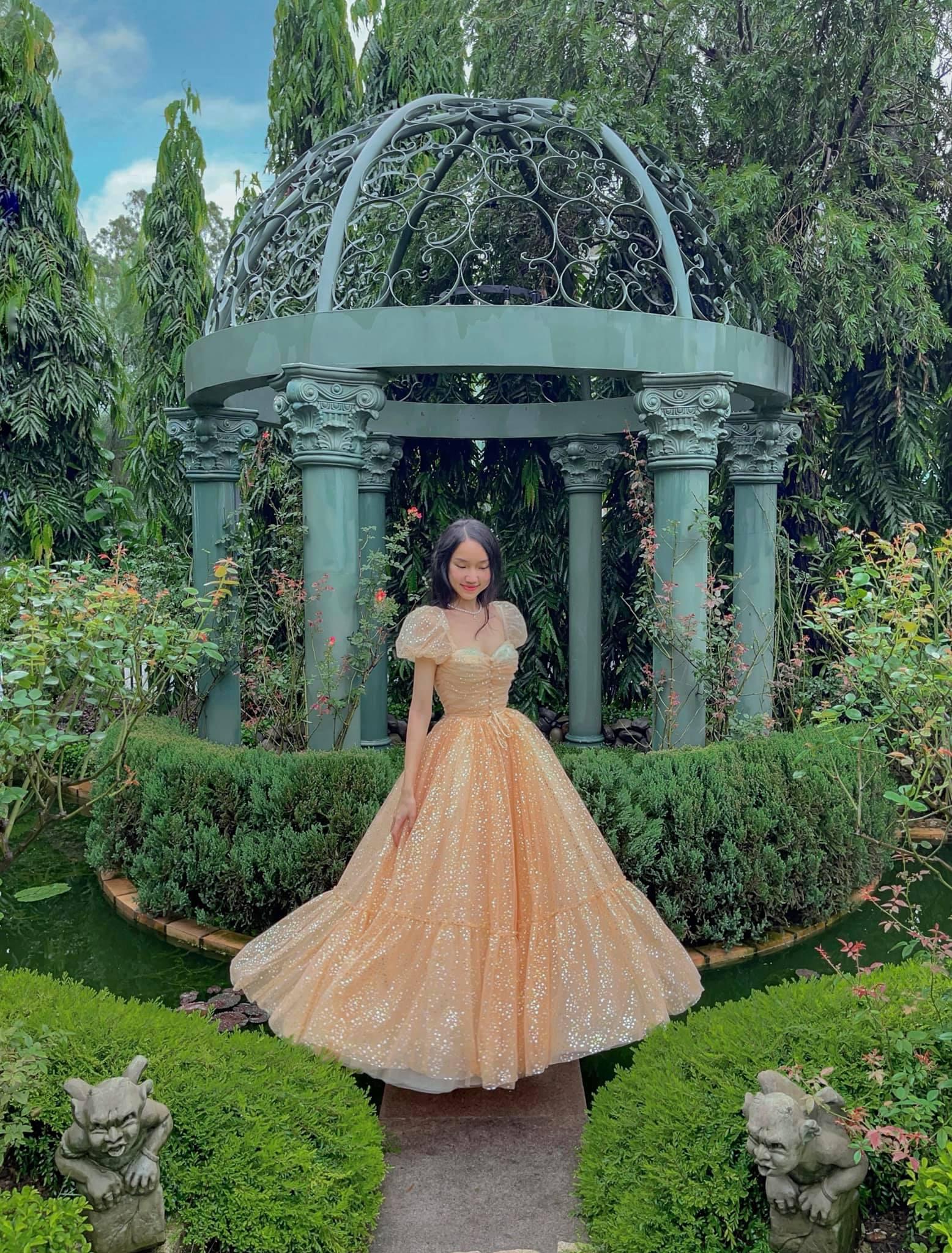 tips mặc váy như công chúa khi đi du lịch