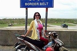 Ước mơ tuổi xế chiều: Người mẹ 52 tuổi và hành trình ba lần xuyên Việt bằng xe máy