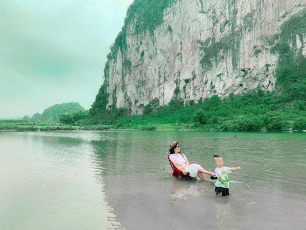 cắm trại ở sông Bôi Hòa Bình