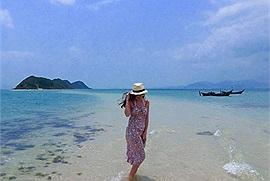 Điều gì khiến con đường giữa biển ở Nhất Tự Sơn thu hút du khách đến vậy?