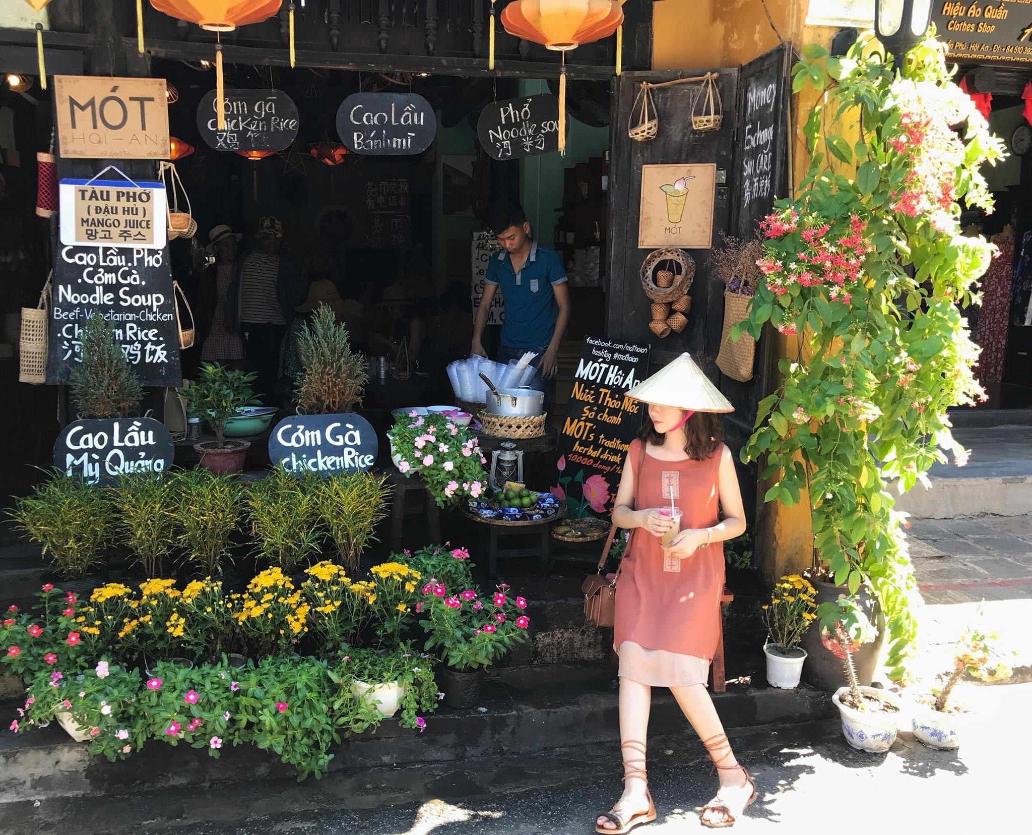 Phan Hải Yến top 10 Checkin-holic 2