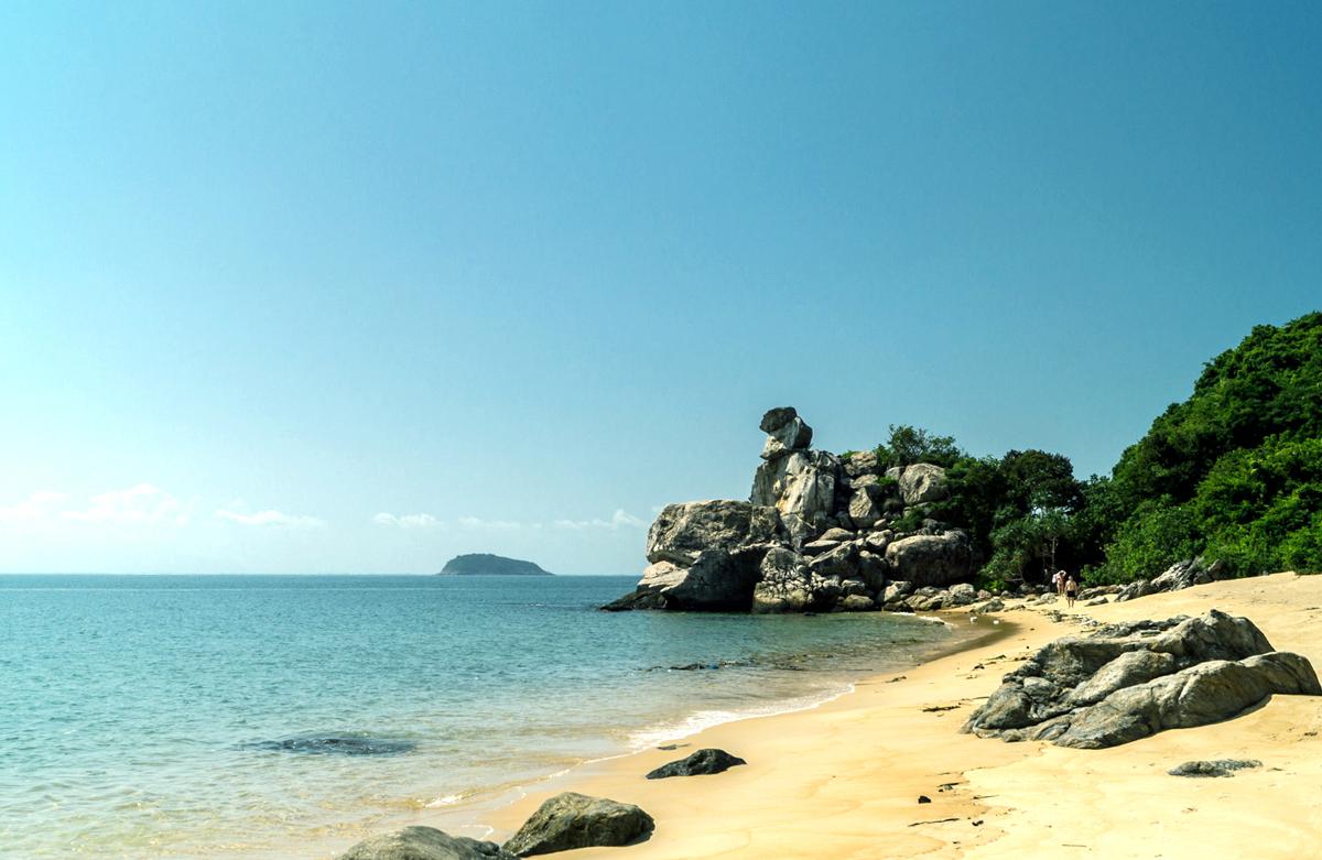 Bãi đá Chồng- một tuyệt tác của mẹ Thiên Nhiên