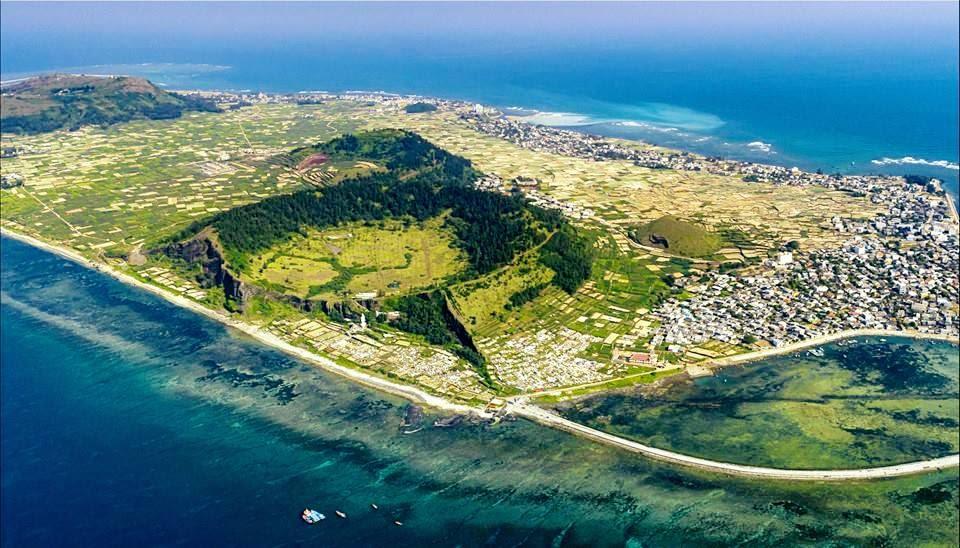 vẻ đẹp của đảo lý sơn nhìn từ trên cao