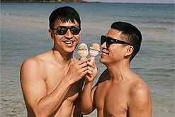 """Adrian Anh Tuấn và bạn đời tung hint check in Phú Quốc cực chất lượng, dân tình không để ý gì khác được vì ăn """"cẩu lương"""" quá no"""