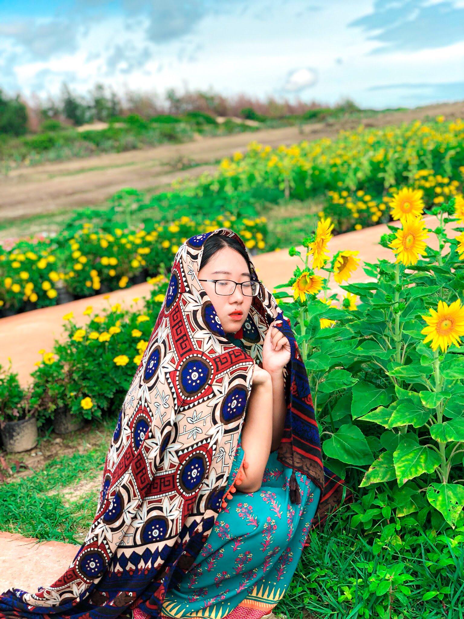 cô gái 25 tuổi đi bụi 9 đất nước, 8 tỉnh thành Việt Nam