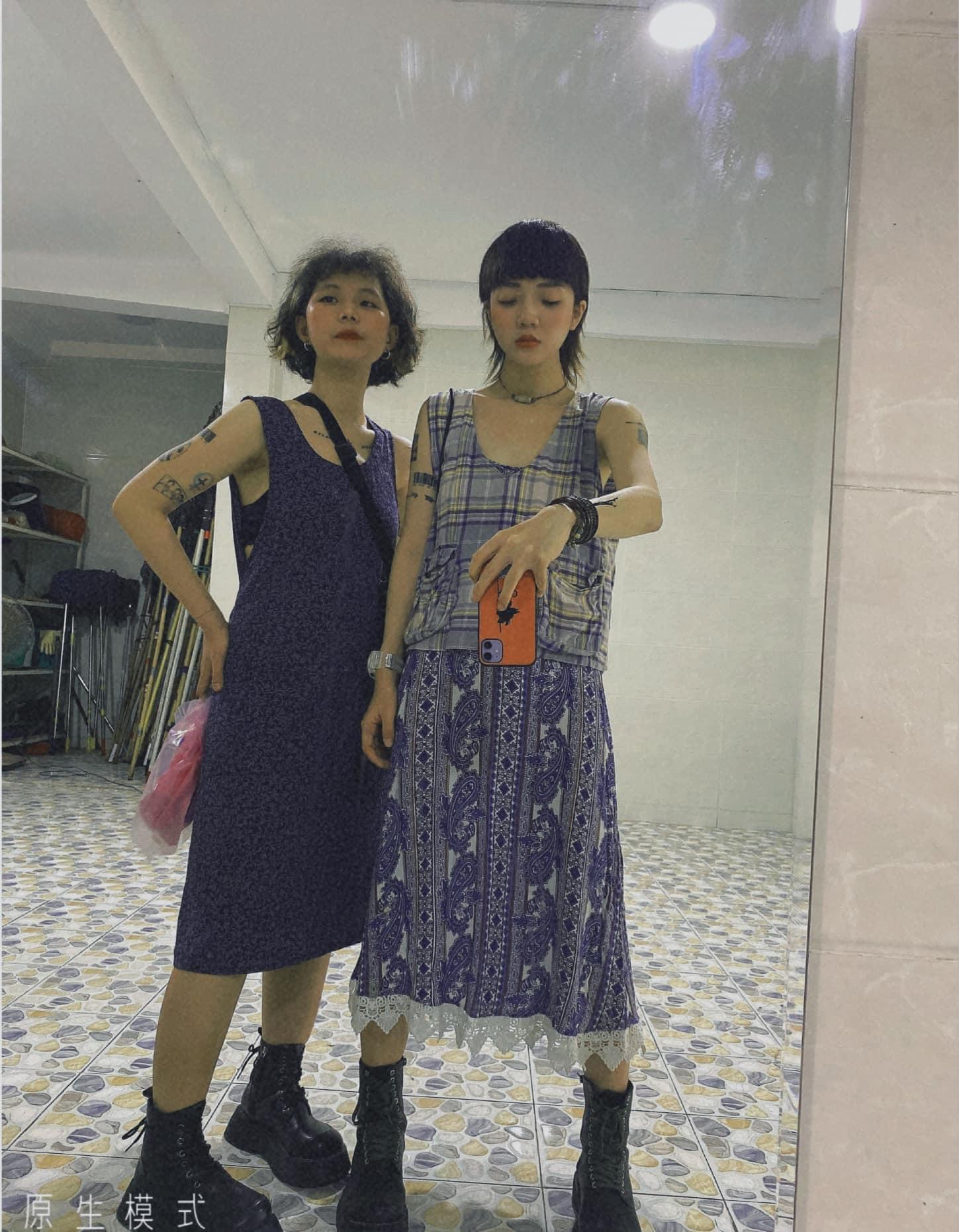 Nàng model cùng bạn thân diện đồ vintage du lịch khắp nơi