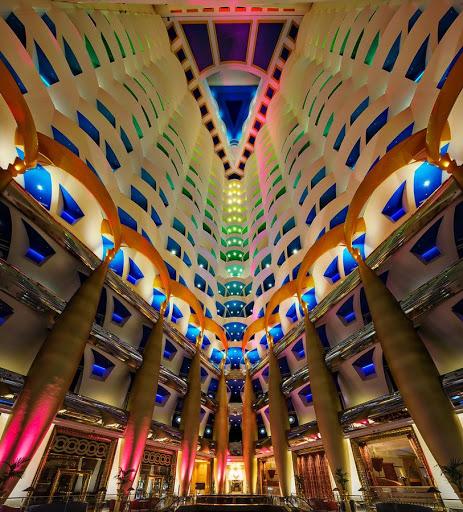 khách sạn đẳng cấp nhất thế giới với 11 điều vô cùng kỳ lạ