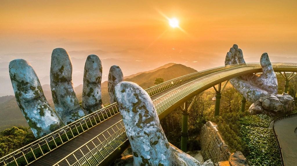 Cầu Vàng Đà Nẵng, nguồn cảm hứng cho nghệ thuật thăng hoa