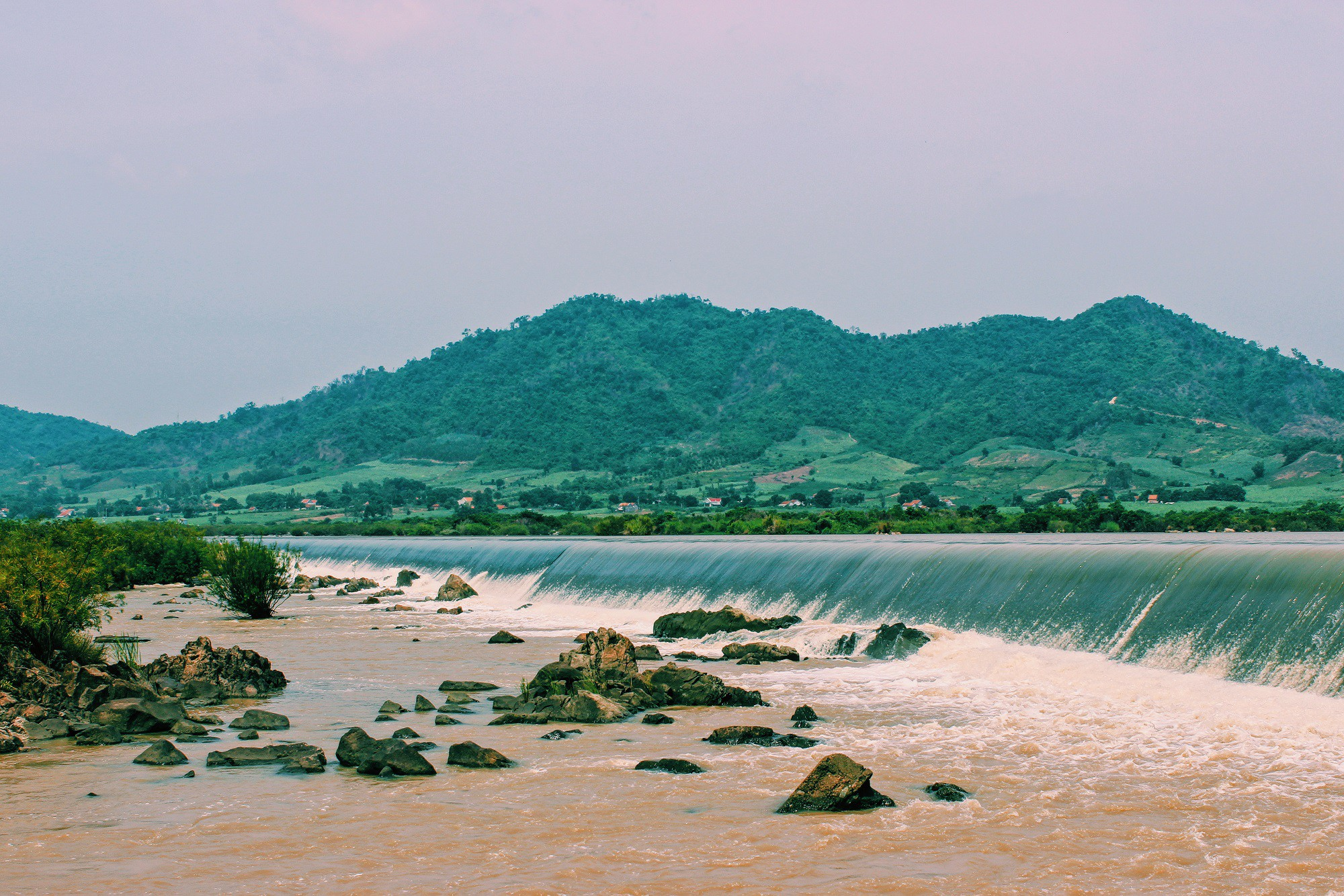 Đập Đồng Cam -