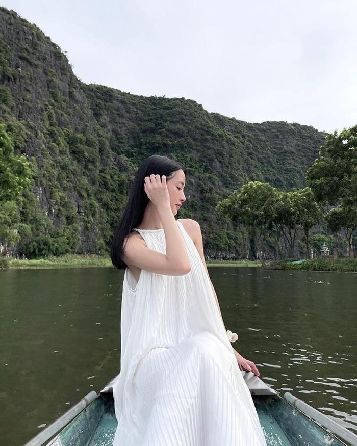 Jun Vũ check in resort sang chảnh nhất nhì Ninh Bình trong đầm Vân Long