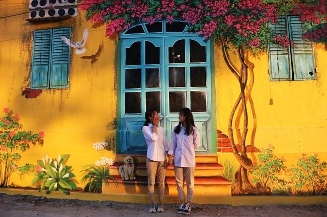 làng bích họa Hà Nội