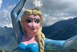 Hết Tượng Nữ Thần Tự Do tới Tượng 'Nữ hoàng băng giá' mới xuất hiện ở Sa Pa gây tranh cãi