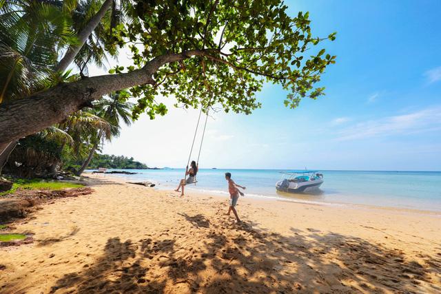 Dịp cuối năm, Phú Quốc nắng vàng, biển trong, cát mịn, rất