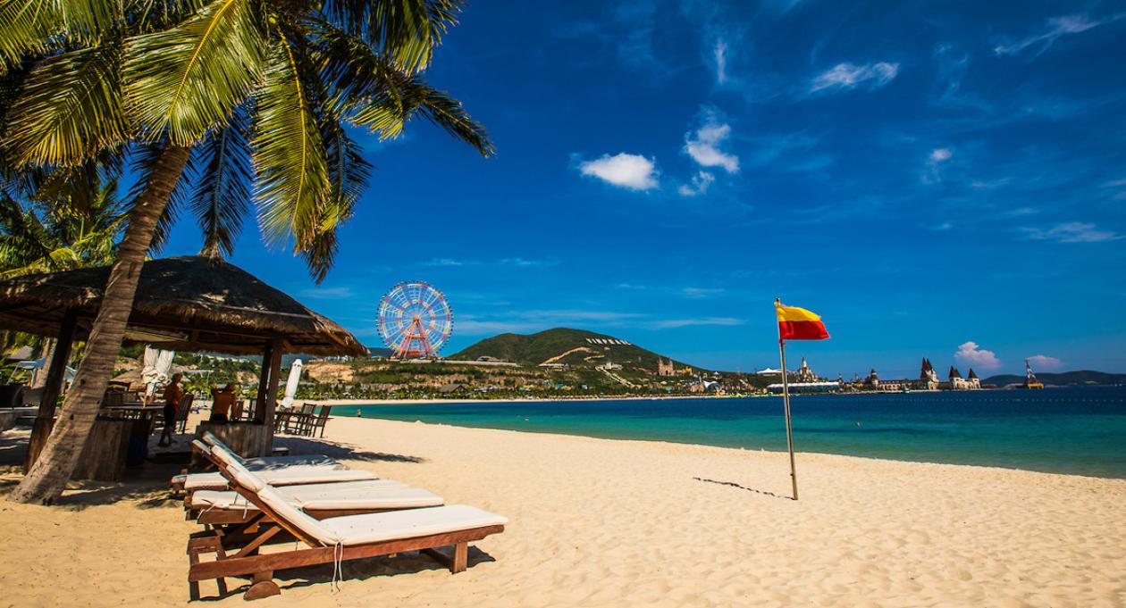 """Biển xanh, cát trắng, nắng vàng có thể coi là """"thương hiệu"""" mỗi khi nhắc tới Nha Trang"""