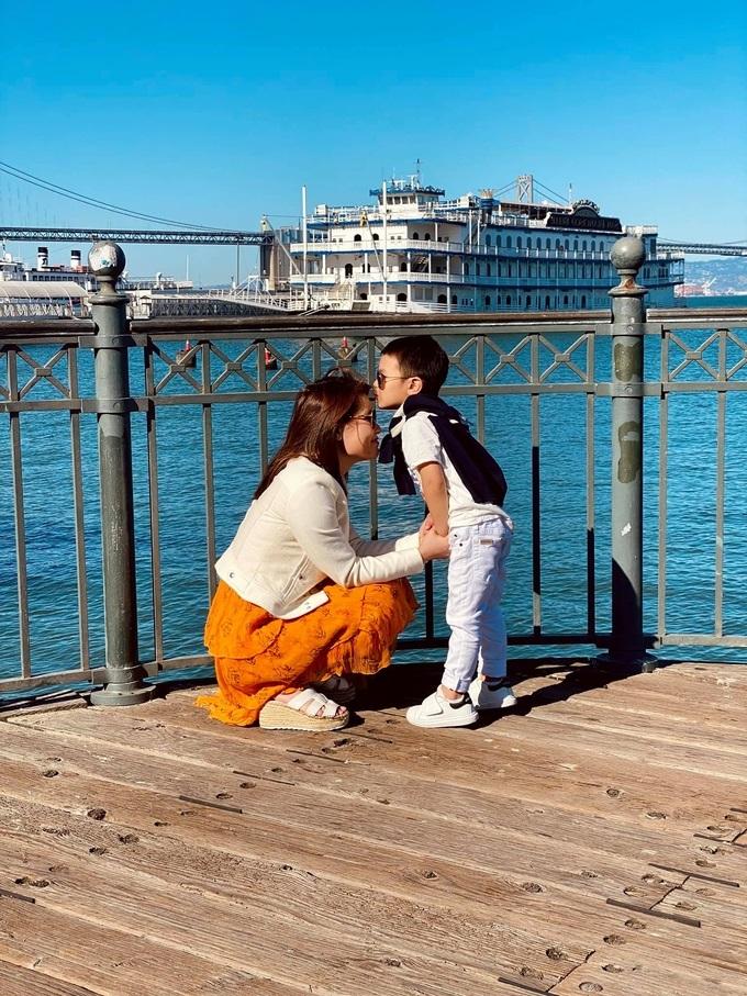 vợ cũ Đan Trường đưa con đi du lịch khắp đất Mỹ