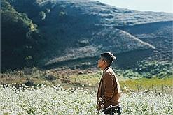 Chàng trai 9X mộng mơ đi khắp 30 tỉnh thành, từ Bắc chí Nam để săn những mùa hoa đẹp thổn thức