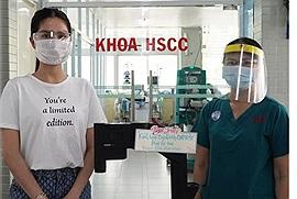 Ngọc Trinh đến tận bệnh viện Chợ Rẫy tặng máy ép tim giá nửa tỷ đồng, chị đẹp cuối cùng đã lên tiếng