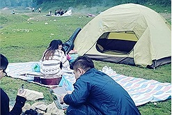 """Rủ """"cạ cứng"""" du dịch gần Hà Nội tưởng không vui mà vui không tưởng"""