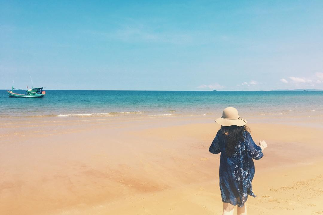 Bãi Dài sở hữu bờ cát vàng óng ả