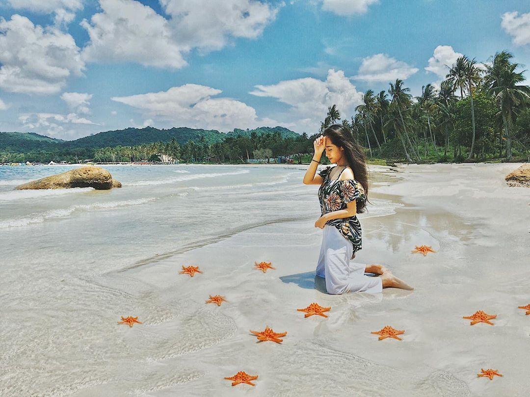 Bãi Sao nổi tiếng với những bờ cát trắng phau