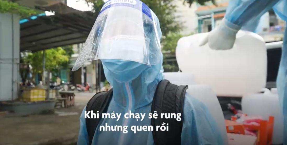 8 cô gái đội khử khuẩn thành phố Hồ Chí Minh