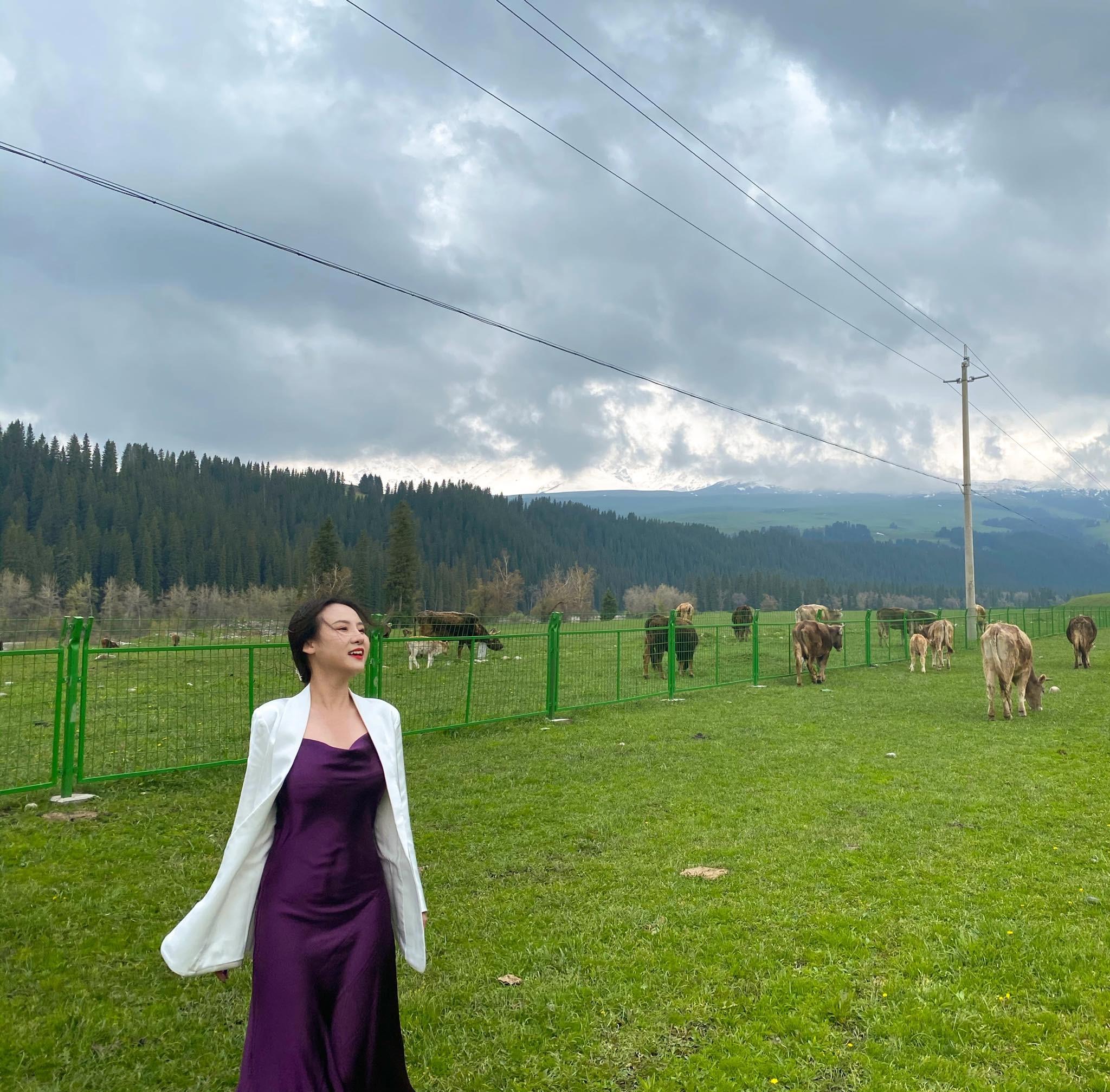 cô gái Việt đi du lịch Tân Cương giữa mùa dịch