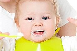 Từ sữa công thức có thể biến tấu thành sữa chua - món ăn vặt lạ miệng hấp dẫn trẻ em biếng ăn nhất