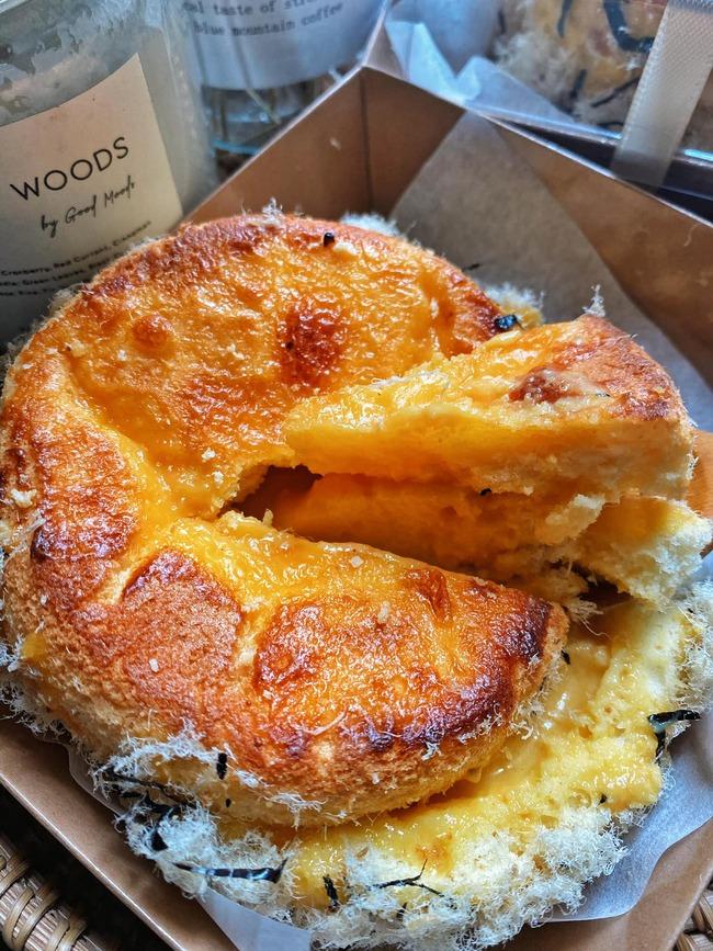 Bánh bông lan cheese nướng kim sa