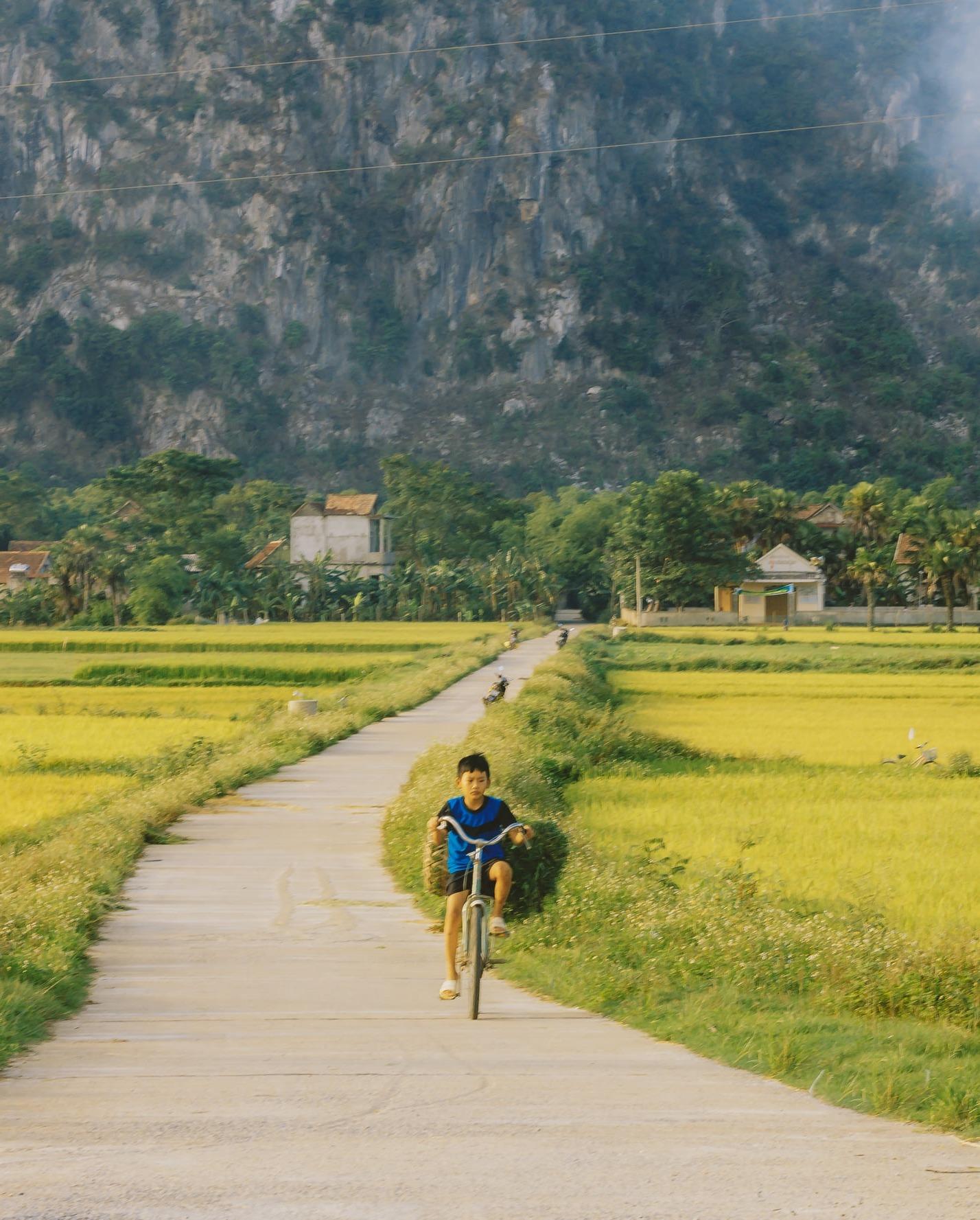 bộ ảnh Cho tôi xin một vé đi tuổi thơ chụp ở Quảng Bình