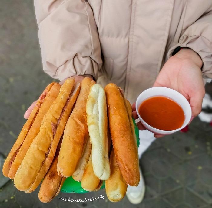Bánh mỳ que cay Hải Phòng