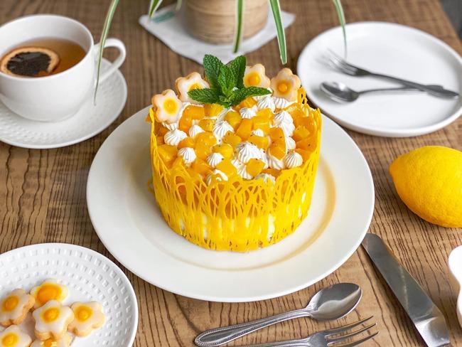Cách làm bánh kem phomai xoài vừa đẹp vừa ngon tại nhà mùa giãn cách