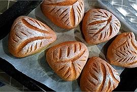 """Đang thèm bánh ngọt thì lăn ngay vào đây học công thức làm bánh mì dẻo tiramisu ăn cực """"bánh cuốn"""""""