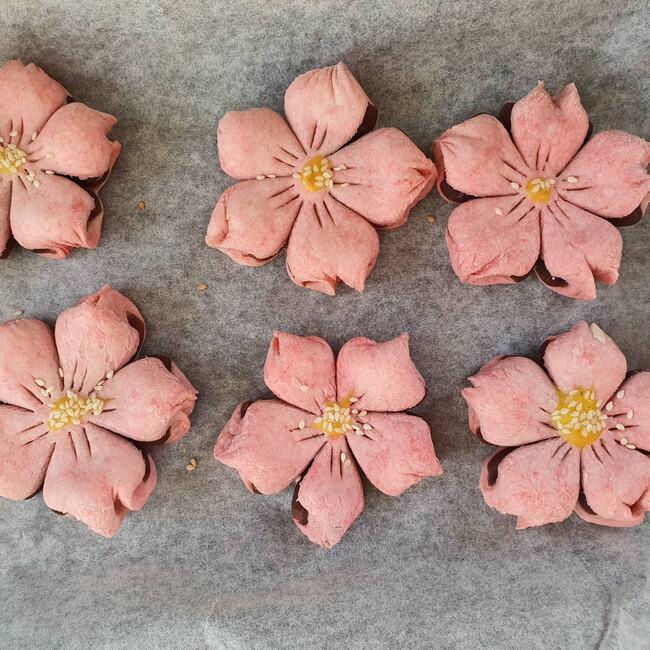 Công thức làm bánh hoa anh đào Trung Quốc