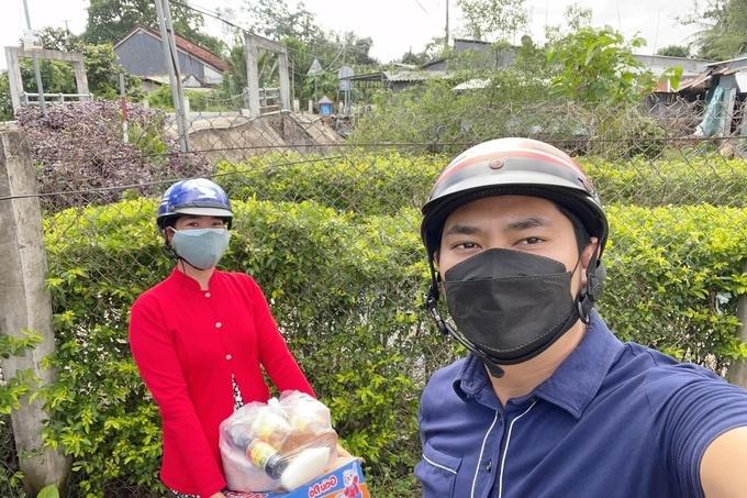 Minh Luân mua 3 tấn ngô cho bà con ở quê, tặng chợ 0 đồng