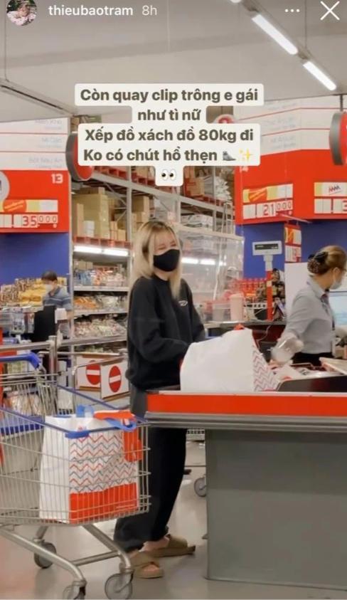 Style đi siêu thị của Thiều Bảo Trâm