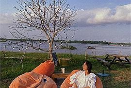 Hết dịch kéo nhau ra ngay Poetic Sunset ở Tây Hồ, check-in 7749 kiểu ảnh với view hoàng hôn sông Hồng cực hot