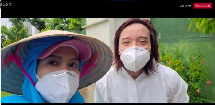 vợ chồng Việt Hương trên livestream
