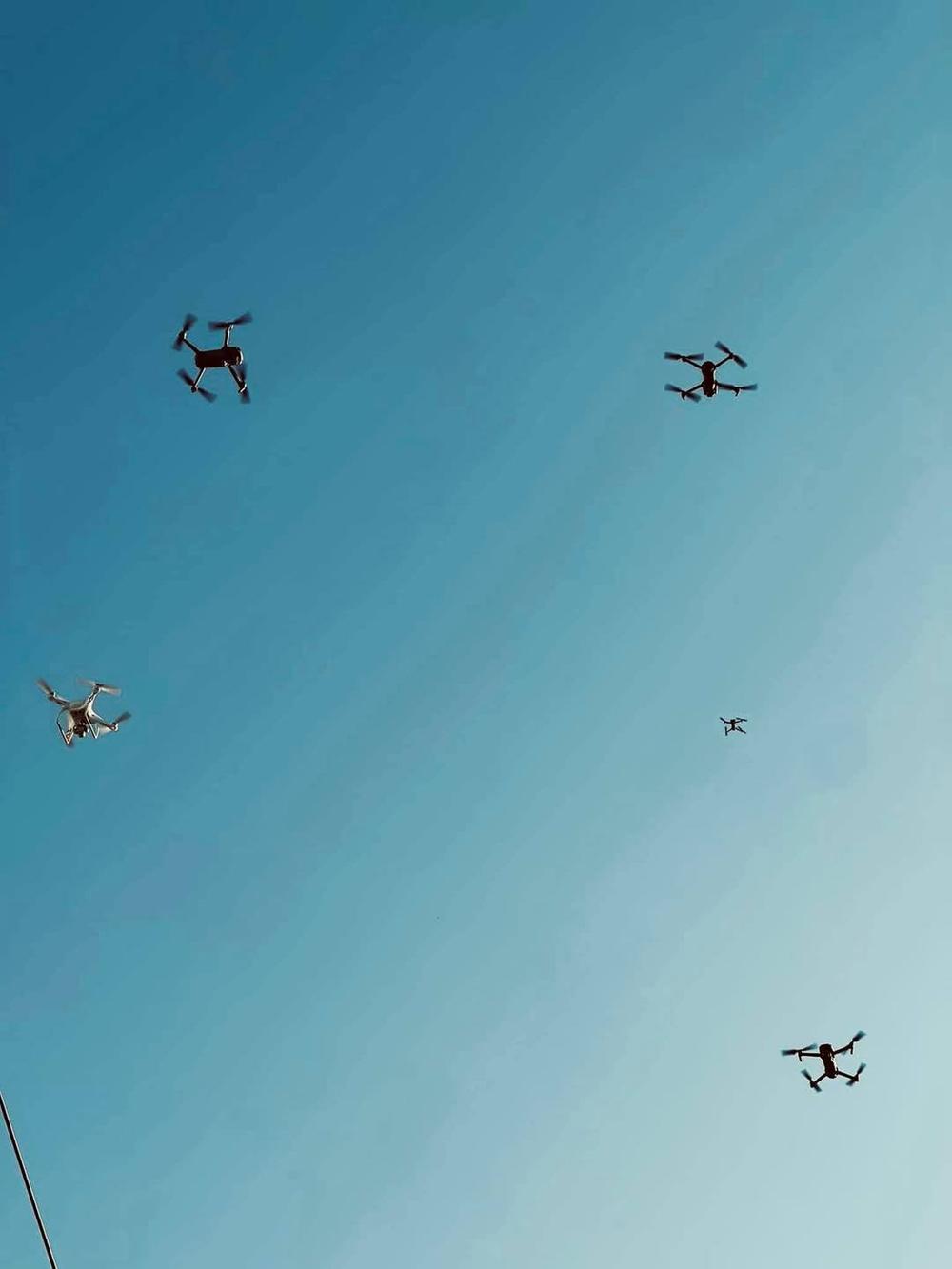 flycam bay trên bầu trời Đà Nẵng để giám sát dân chúng