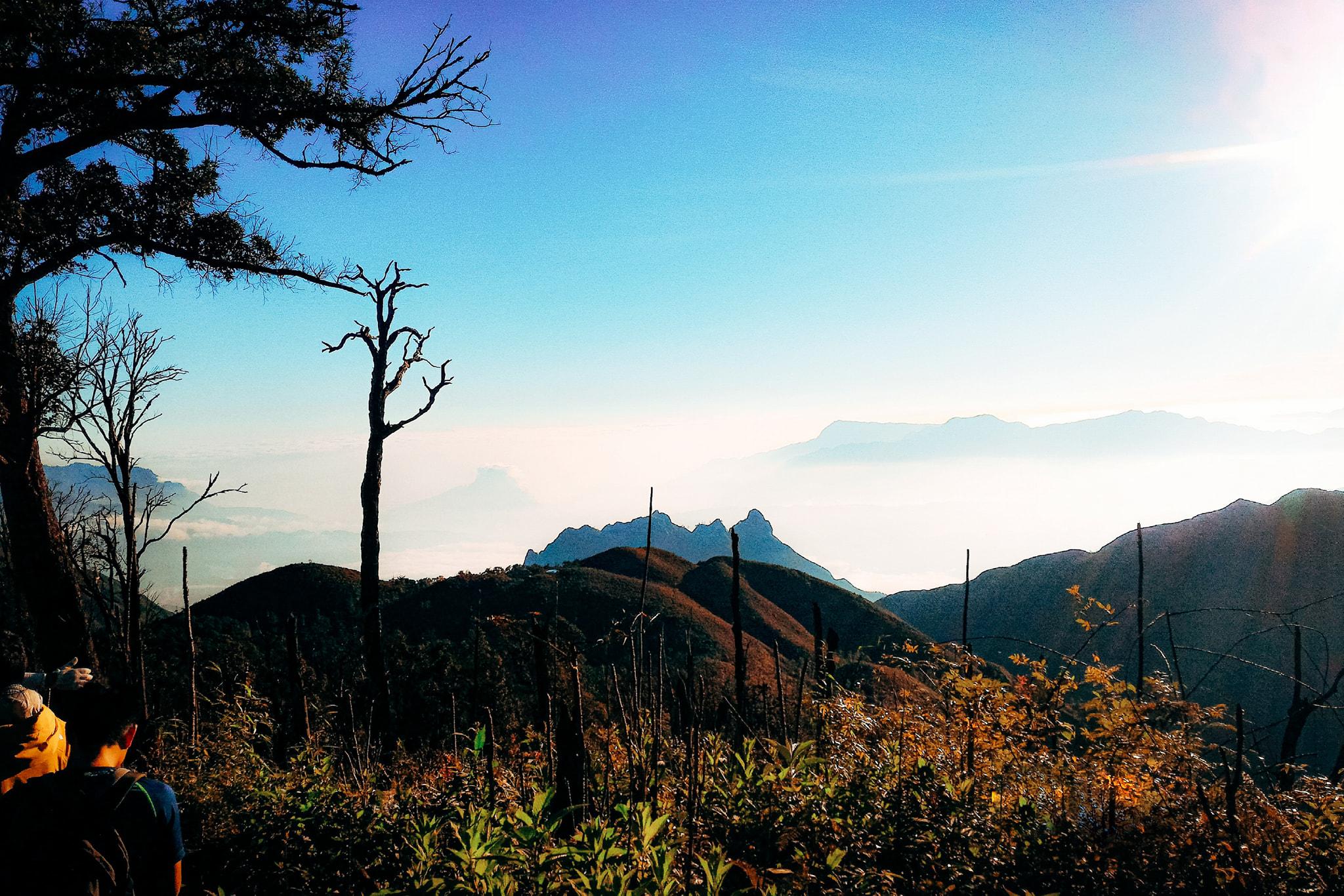 Trekking chinh phục Bạch Mộc Lương Tử- Ky Quan san.