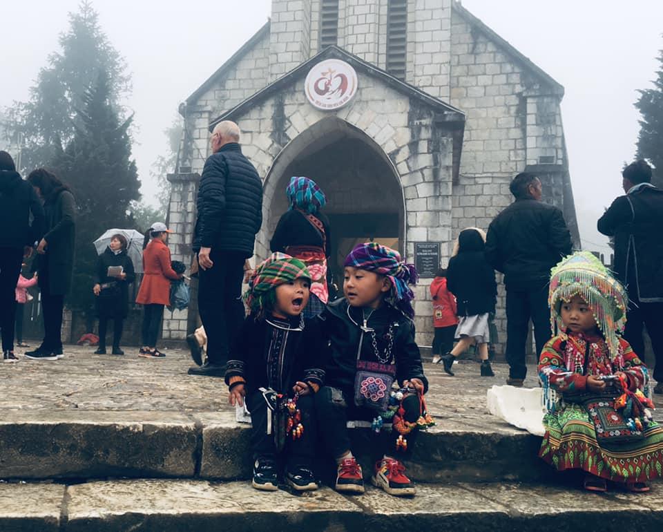 trẻ em vùng cao tại Sapa
