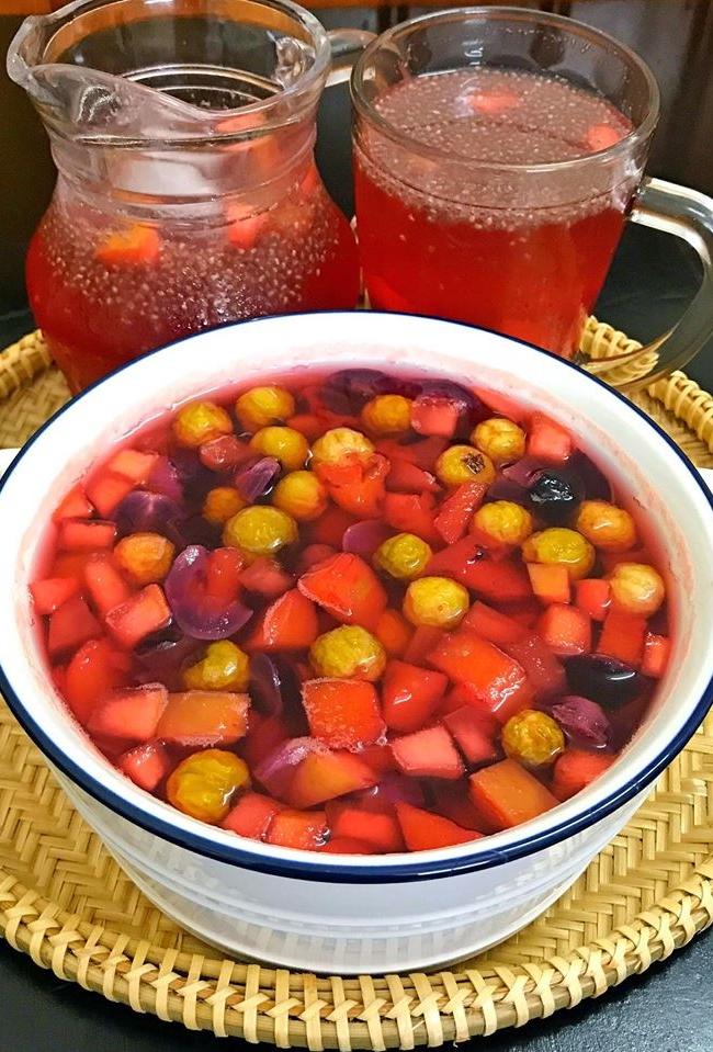 pha rượu vào trái cây