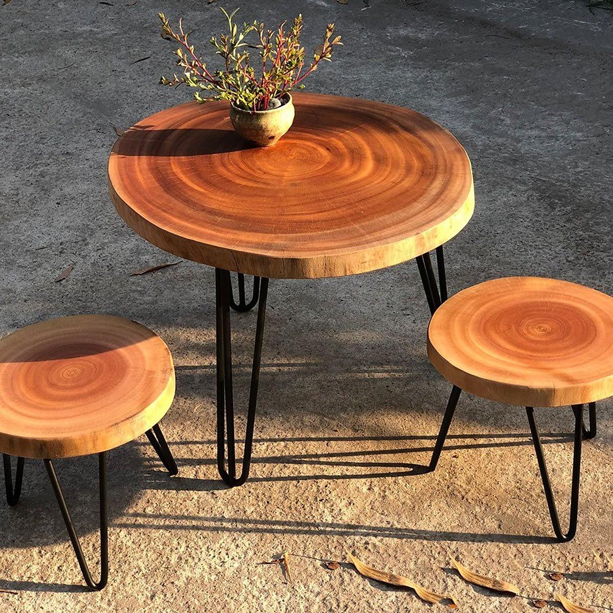 bàn gỗ tận dụng để trang trí