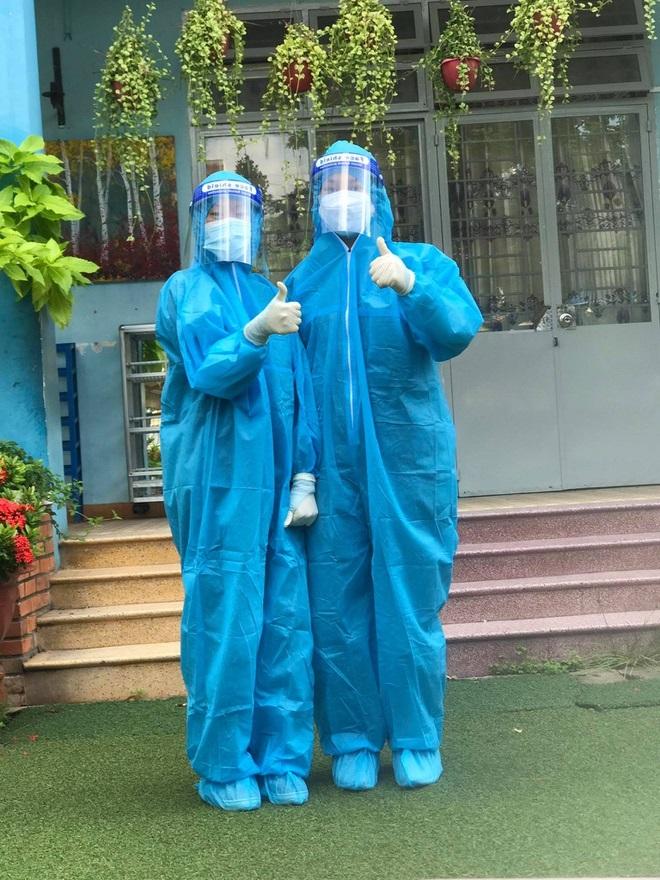 Ba chị em ruột cùng ngành y tình nguyện đăng ký tham gia chống dịch tại TP.HCM