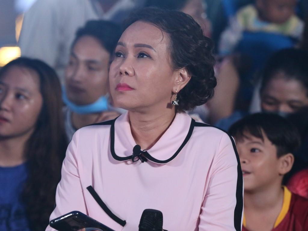 Việt Hương bị nghi nhận 11,3 tỷ từ nước ngoài làm từ thiện chứ không phải bỏ tiền túi, nhân chứng nói gì?