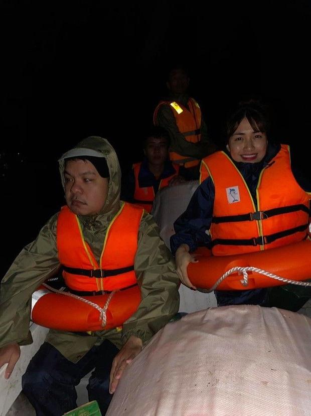 Hòa Minzy đi cứu trợ tại miền Trung