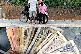 Hai cha con đi hơn 20km đường núi mua điện thoại học online, nhìn những đồng tiền lẻ bạc màu chủ quán có quyết định bất ngờ